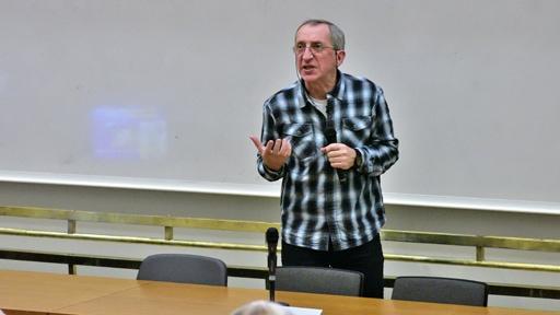 Přednáška Jaroslava Petra nabídla kromě humoru a fascinujících souvislostí i mnoho opravdu procítěných momentů